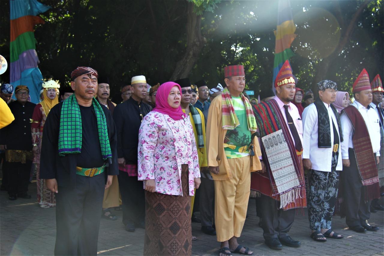 Gunakan Baju Adat Nusantara, Pemkot Bekasi Gelorakan Pancasila Di Upacara HUT Kota Bekasi ke 23 (Bekasikota.go.id)
