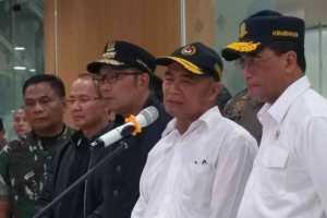 Gubernur Jawa Barat Ridwan Kamil akan meninjau Depok terkait dengan dua warga yang terkena penyakit Covid-19.