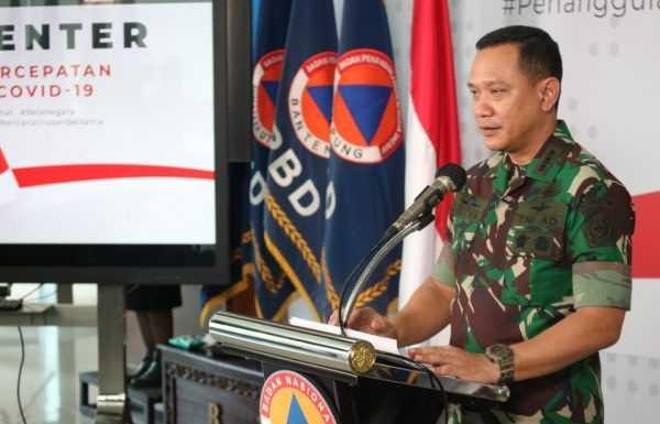 Perang Lawan COVID 19, Gugus Tugas COVID 19 Bersama TNI Distribusikan 151 Ribu APD Ke Daerah (covid19.go.id)