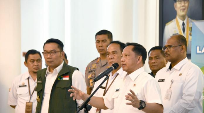 Pandemi COVID 19, Command Center COVID 19 Ala Kang Emil Jadi Percontohan Nasional (jabarprov.go.id)