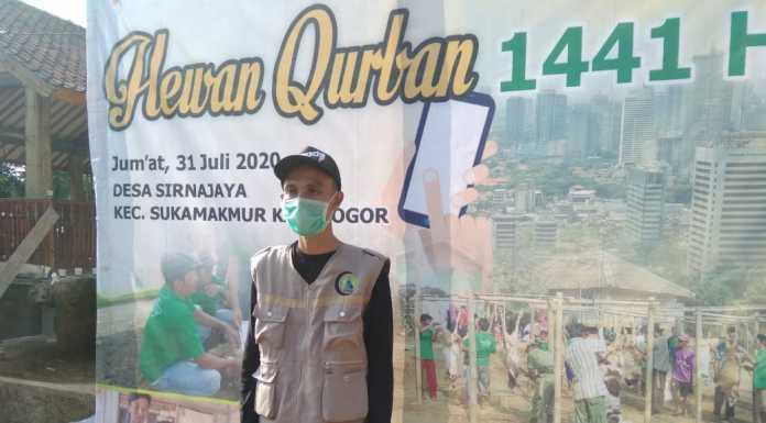 Akhyar Bahtiar Tokoh Pemuda Desa Sirnajaya Sukamakmur Bogor. Foto : Hatta